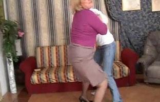 Stiefsohn will ficken Stiefmutter