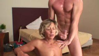 Harter Sex ist für Oma ein Muss