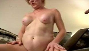 Geiler Dreier Fick mit einer notgeilen Oma