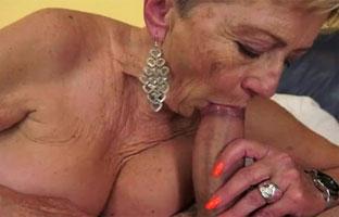 Geschlechtsverkehr mit Oma