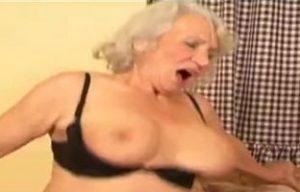 Alte Frauen und dicke Schwänze