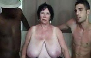 Omas Große Brüste
