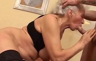 Alter sex oma mit 60 Granny