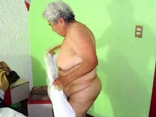 Frauen gebückt nackte Nackte Milf