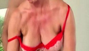 Heisse Oma hart anal rangenommen