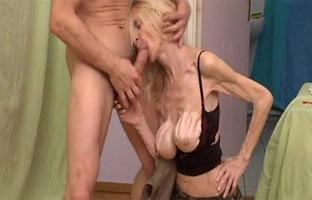 Magersüchtige Oma