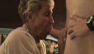 Oma Mundsex Porno