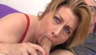Oma hat gerne Sperma im Mund