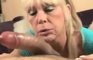 Tittenfick porno