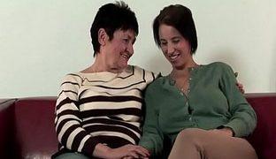 Heisse lesbische Omas in Aktion