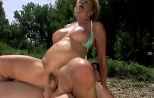 Oma Nudisten Porno