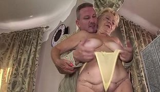 Private sex mit hausfrau