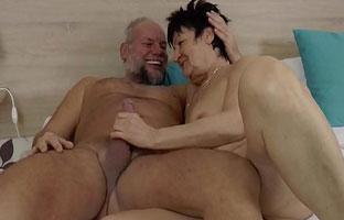 Oma Und Opa Masturbieren