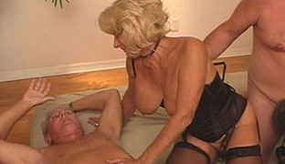 Oma Sex Orgie mit Opa