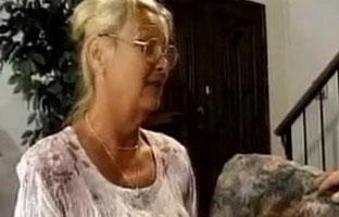 Fickt schwiegermutter sohn Schwiegermutter fickt