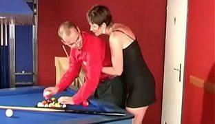 Sex auf dem Billardtisch ist geil