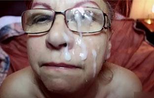 Gesichtsbesamung für Oma