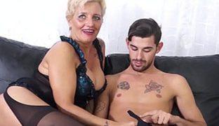 Sex mit Oma ist geil