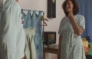 Schüchterne Oma