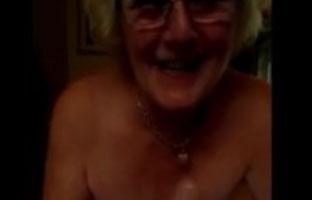 Oma Oralsex Video